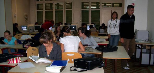 La salle informatique au lycée privé Sainte Trinité
